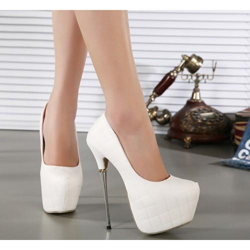 9ed4e9240 حذاء أبيض أنيق بتصميم كلاسيكي رائع ذو كعب عالي مدبب